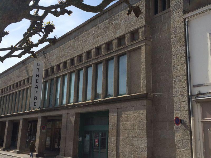 La façade entrée du Surcouf avant travaux